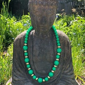 Jewelry - Vintage Green & Gold Beaded Necklace